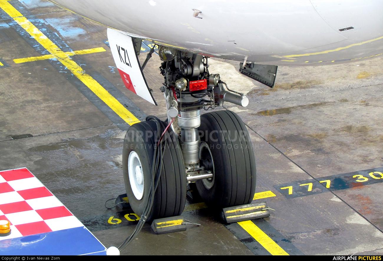 Iberia EC-KZI aircraft at Santiago de Chile - Arturo Merino Benítez Intl