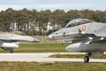 E-016 - Denmark - Air Force General Dynamics F-16A Fighting Falcon