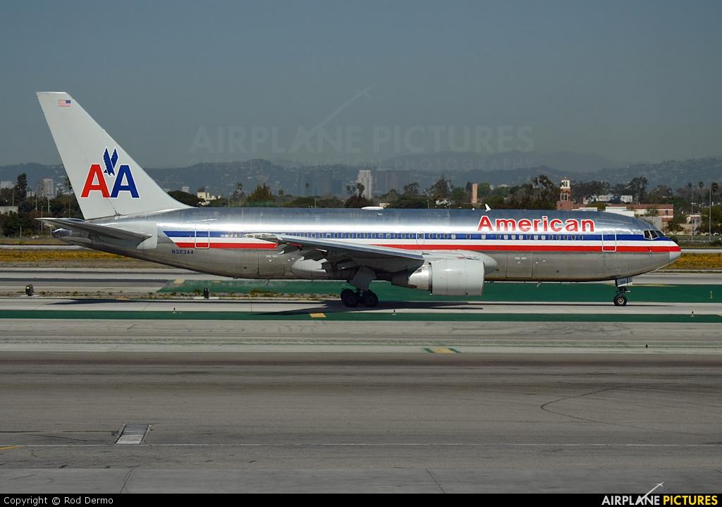 N323AA - American Airlines Boeing 767-200ER at Los Angeles ...