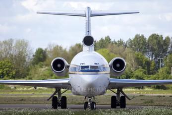 HZ-AB3 - Al Anwa Aviation Boeing 727-200/Adv(RE) Super 27