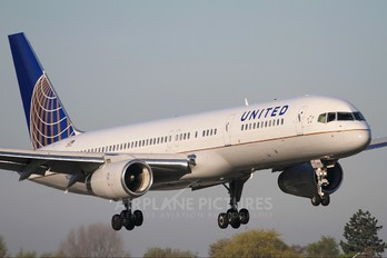 N29129 - United Airlines Boeing 757-200