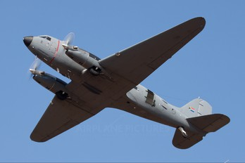 6839 - South Africa - Air Force Douglas C-47TP