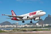 PT-TMC - TAM Airbus A319 aircraft