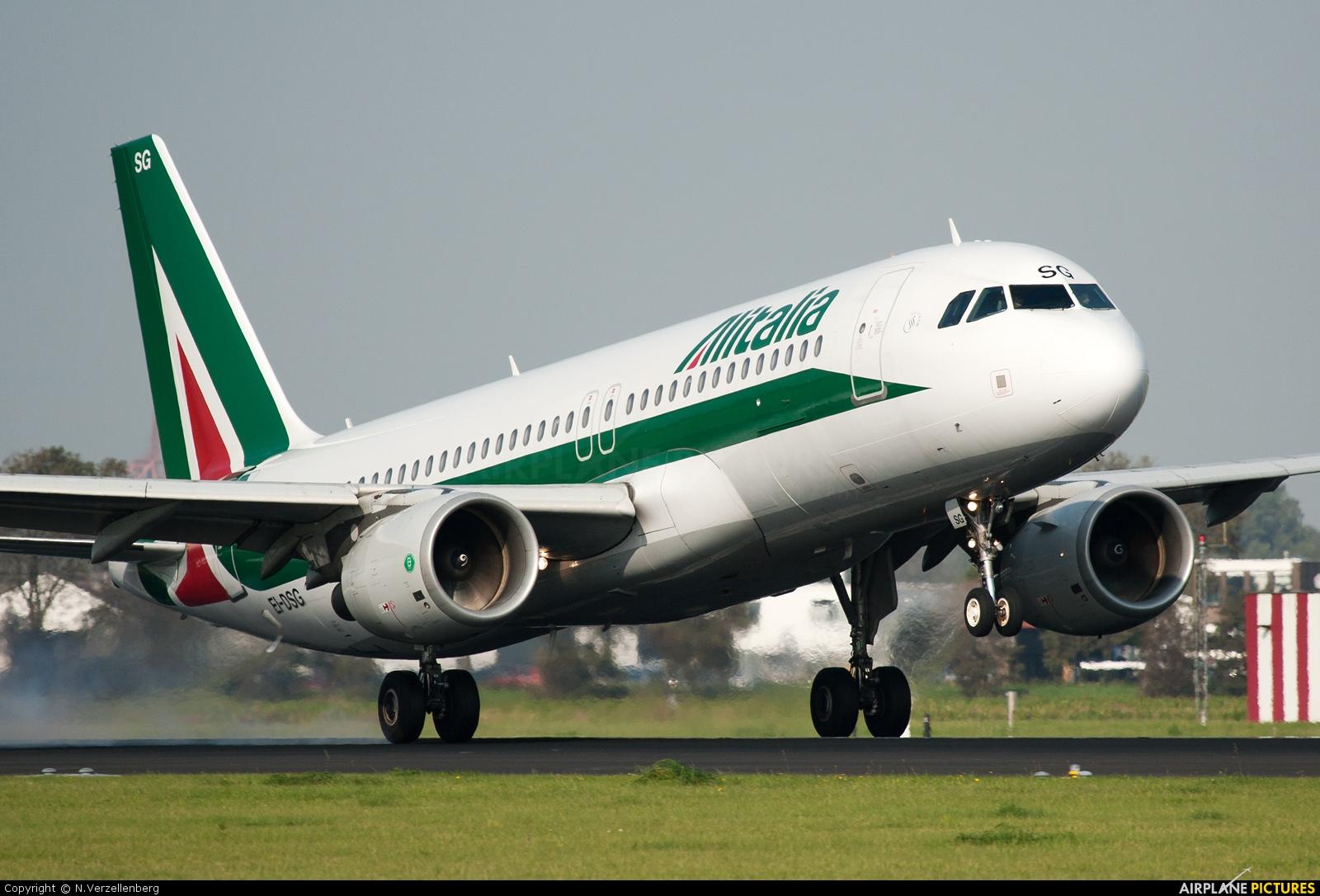 Alitalia foto boeing 777 alitalia 71