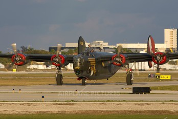 NX224J - Private Consolidated B-24 Liberator