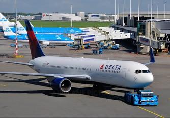 N172DZ - Delta Air Lines Boeing 767-300