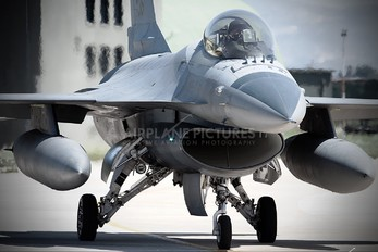 MM7236 - Italy - Air Force General Dynamics F-16A Fighting Falcon