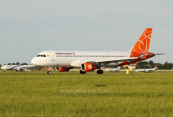 OK-LEE - CSA - Holidays Czech Airlines Airbus A320