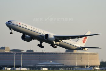 B-2087 - Air China Boeing 777-300ER