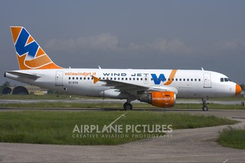 EI-DVU - Windjet Airbus A319