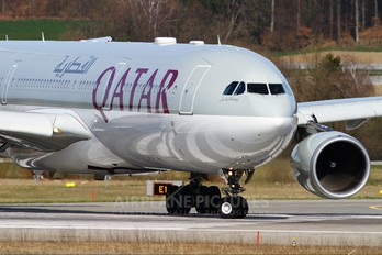 A7-AEA - Qatar Airways Airbus A330-300