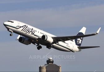 N590AS - Alaska Airlines Boeing 737-800