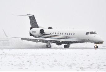 N909LX - Private Embraer ERJ-135