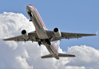 N655AA - American Airlines Boeing 757-200
