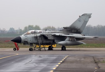 MM55005 - Italy - Air Force Panavia Tornado - IDS