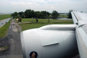 9V-SQL - Singapore Airlines Boeing 777-200 aircraft