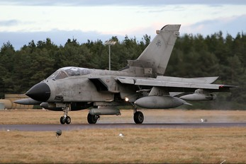 MM7061 - Italy - Air Force Panavia Tornado - IDS