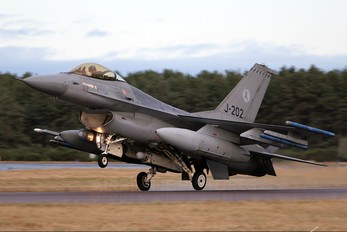 J-202 - Netherlands - Air Force General Dynamics F-16A Fighting Falcon
