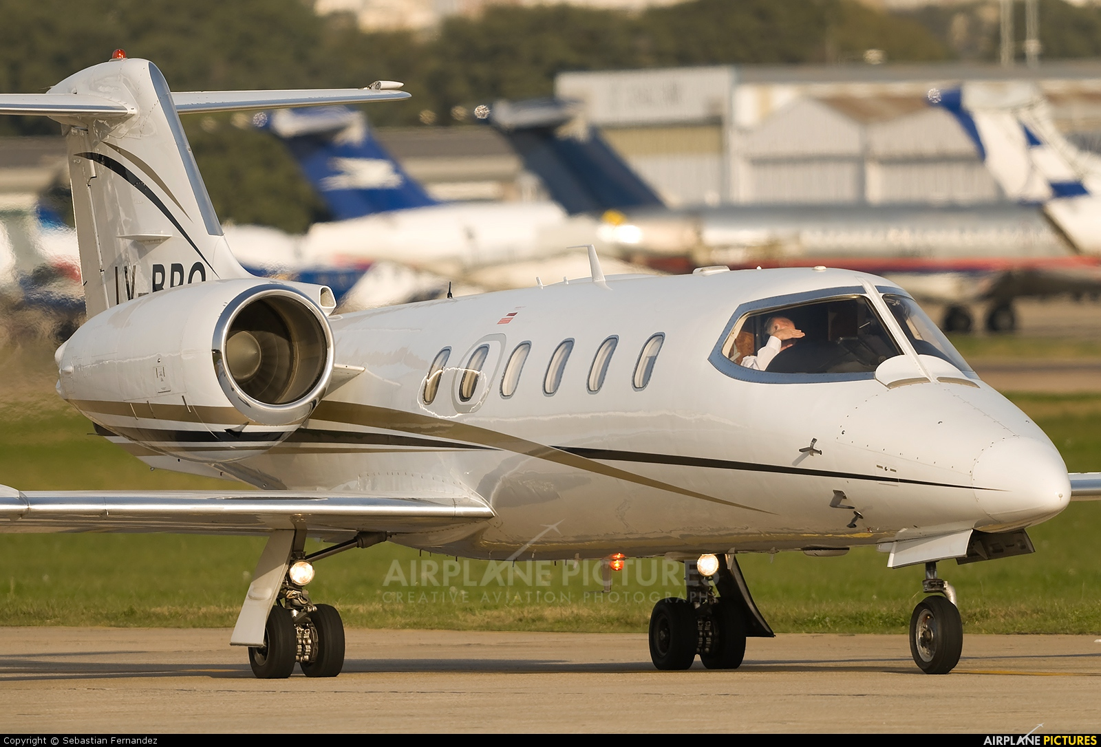Introducing the New Learjet 35 to Angel MedFlight Worldwide Air ...