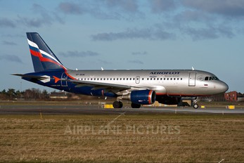 VP-BUN - Aeroflot Airbus A319