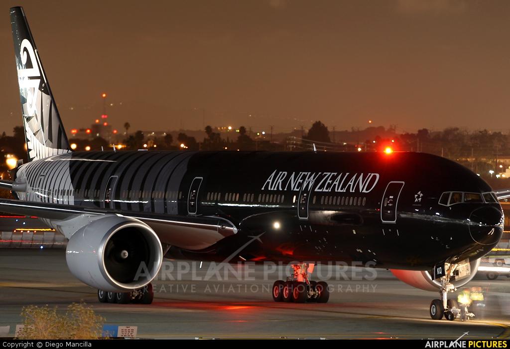 Air New Zealand ZK-OKQ aircraft at Los Angeles Intl