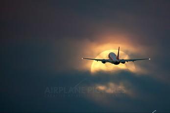 PR_GON - GOL Transportes Aéreos  Boeing 737-700
