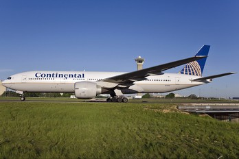 N78001 - Continental Airlines Boeing 777-200ER