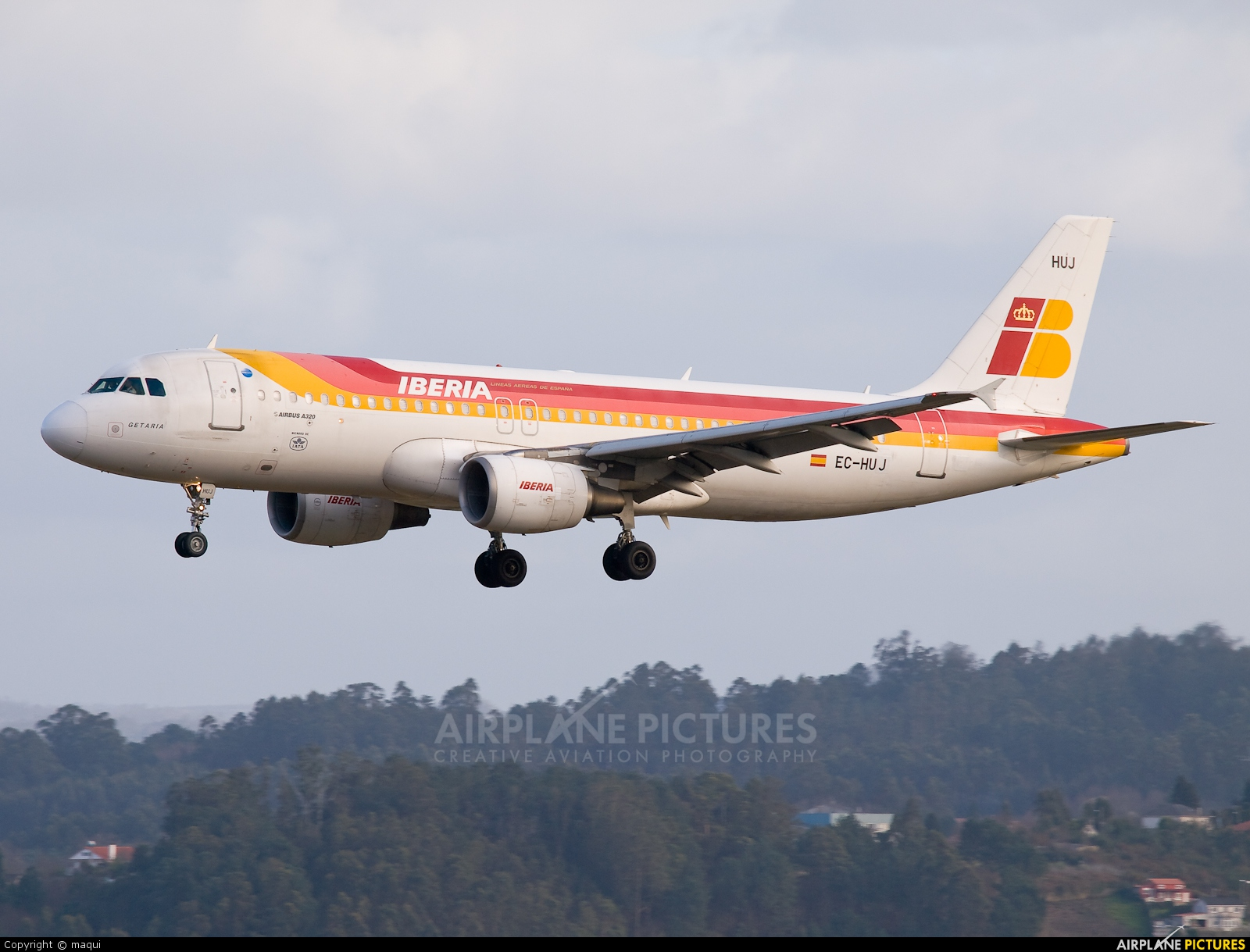 EC-HUJ - Iberia Airbus A320 at La Coruña | Photo ID 212969 ...