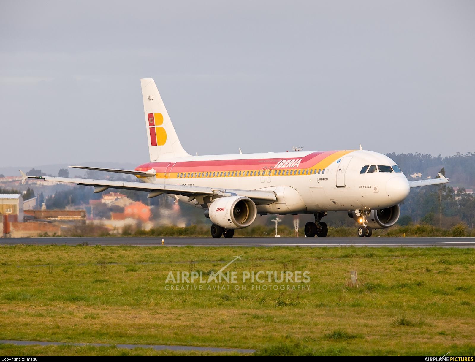 EC-HUJ - Iberia Airbus A320 at La Coruña | Photo ID 212978 ...