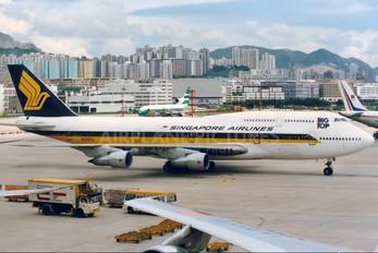 N125KL - Singapore Airlines Boeing 747-300