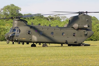 ZD983 - Royal Air Force Boeing Chinook HC.2