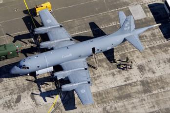 140102 - Canada - Air Force Lockheed CP-140 Aurora