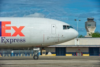 N587FE - FedEx Federal Express McDonnell Douglas MD-11F