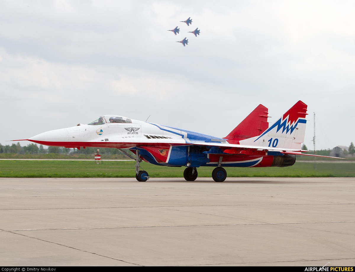 "Russia - Air Force ""Strizhi"" 10 aircraft at Kubinka"