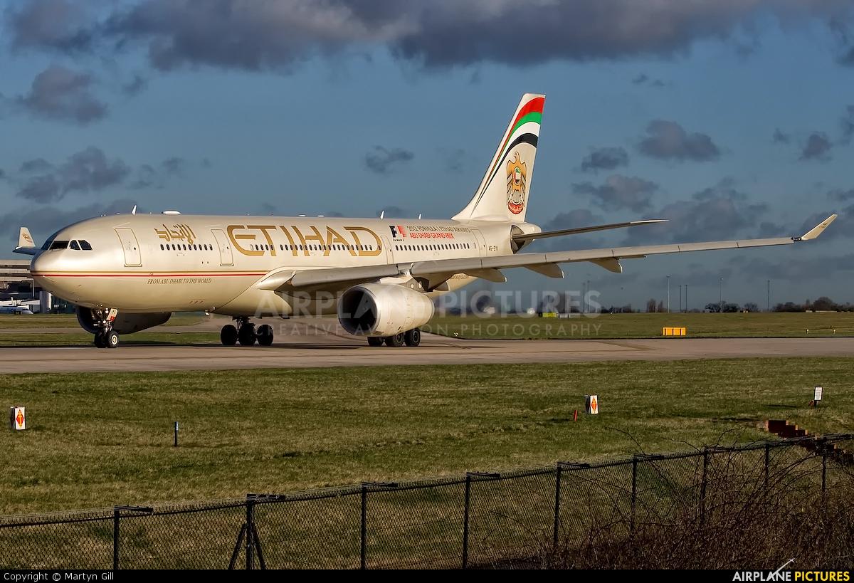 Etihad Airways A6-EYI aircraft at Manchester
