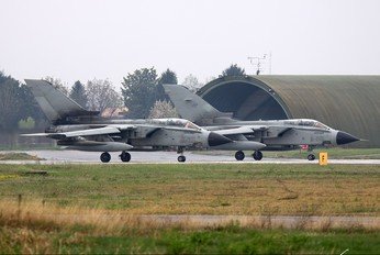MM7081 - Italy - Air Force Panavia Tornado - IDS