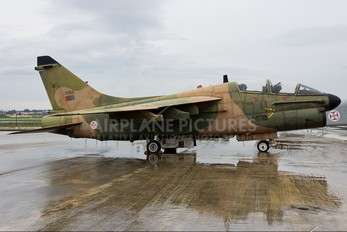 5550 - Portugal - Air Force LTV TA-7C Corsair II