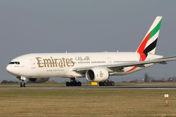 A6-EMK - Emirates Airlines Boeing 777-200