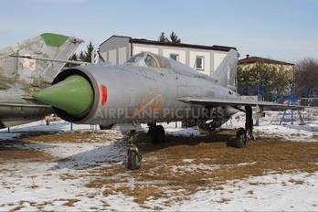 5705 - Poland - Air Force Mikoyan-Gurevich MiG-21PFM