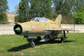 3041 - Hungary - Air Force Mikoyan-Gurevich MiG-21UM