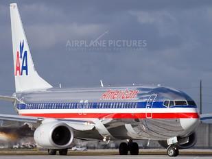 N874NN - American Airlines Boeing 737-800