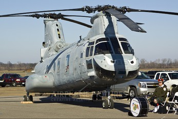 156427 - USA - Marine Corps Boeing CH-46E Sea Knight