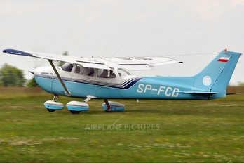 SP-FCD - Private Cessna 172 Skyhawk (all models except RG)