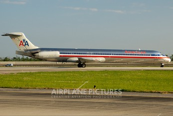 N505AA - American Airlines McDonnell Douglas MD-82