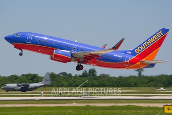 N952WN - Southwest Airlines Boeing 737-700