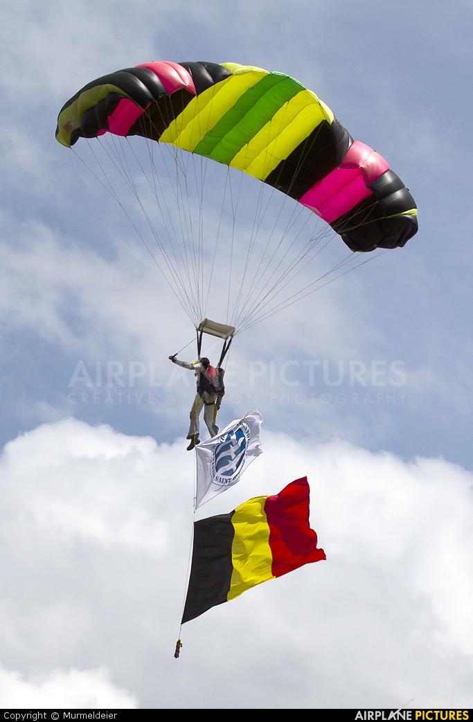 Private Parachute Parachutist At St Hubert  Photo ID 217815  AirplanePictu