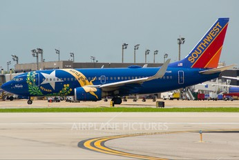 N727SW - Southwest Airlines Boeing 737-700