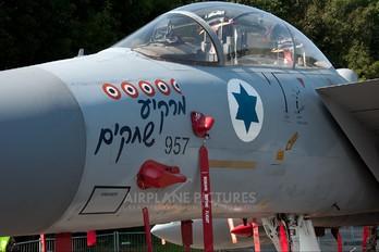 957 - Israel - Defence Force McDonnell Douglas F-15D Eagle