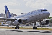N410UA - United Airlines Airbus A320 aircraft