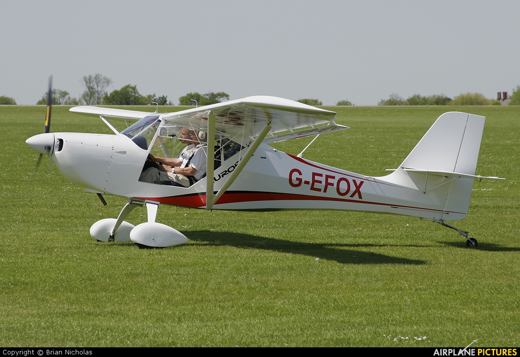 Private G-EFOX aircraft at Northampton / Sywell